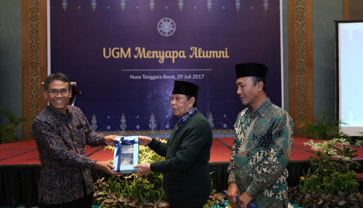 Rektor UGM Mengajak Alumni Berkontribusi Membangun Daerah