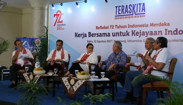 Dialog Merefleksi 72 Tahun Indonesia Merdeka bersama Tiga Menteri di UGM