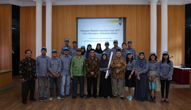 Tim Ekspedisi Nusantara Jaya 2017 menuju Pulau Maradapan