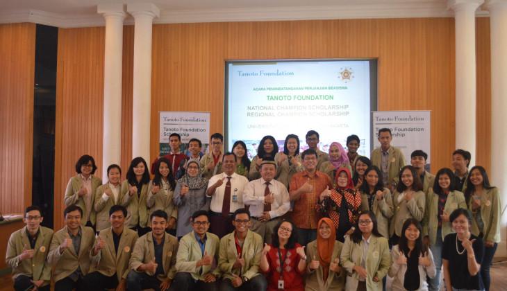 33 Mahasiswa UGM Terima Beasiswa Tanoto Foundation