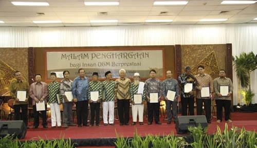 UGM Beri Penghargaan Insan Berprestasi