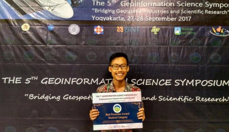 Mahasiswa UGM Raih Penghargaan di  Konferensi Internasional Geoinformasi