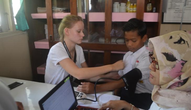 Puluhan Mahasiswa Asing Ikuti International Summer Course FK UGM di Kulon Progo