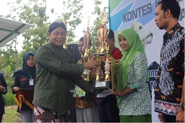 Fakultas Peternakan Gelar Kontes Ternak Kambing PE dan Sapi Putih 2017