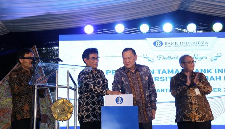 Gubernur BI Resmikan Taman Bank Indonesia di Kampus UGM