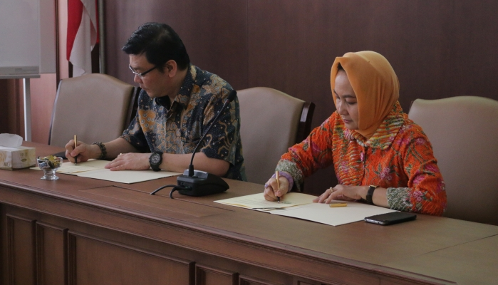 UGM Cooperates with Peat Land Restoration Agency