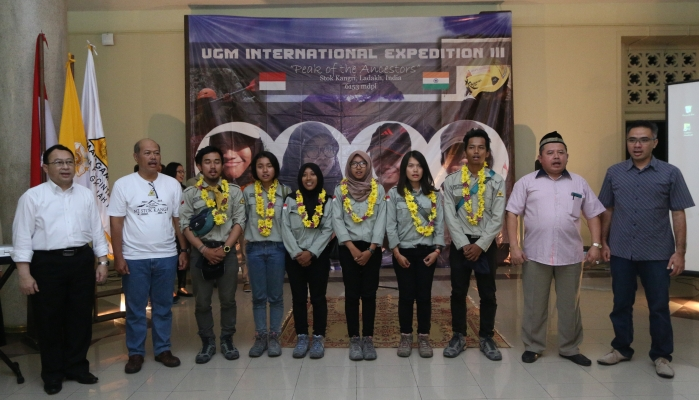 UGM Welcomes Its Female Mountaineers Back from Himalayas