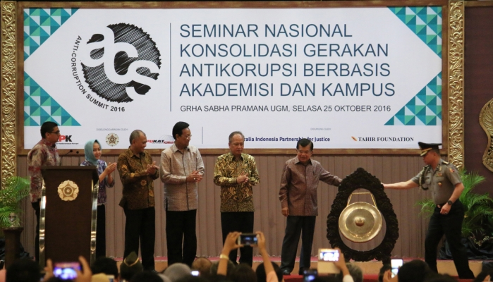 "Vice-President Jusuf Kalla: Only ""Daring"" People Commit Corruption"